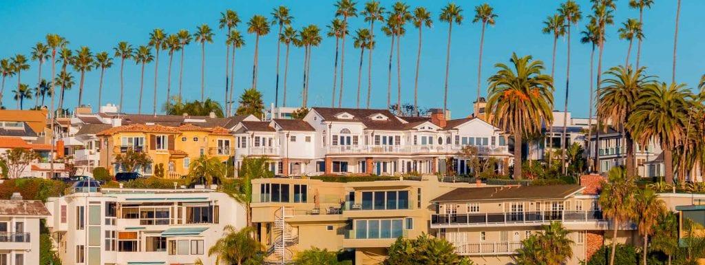 An image of a neighborhood in Orange County.